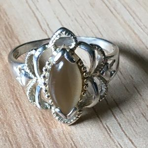 Vintage sterling catseye ring